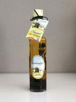 Essig, Öl & Co. Kräuteröl mit Knoblauch