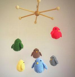 Lustiges Vögelchen Mobile - gehäkelt