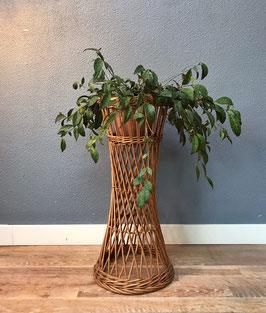 Rotan plantenstandaard