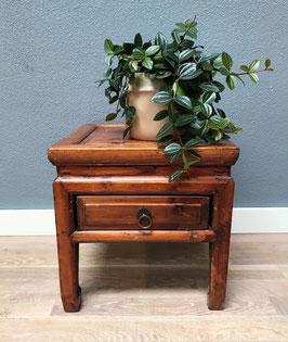 Oud houten tafeltje
