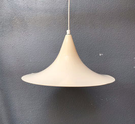 Roomwitte heksenhoed lamp