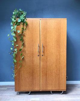 Vintage 2-deurs kledingkast