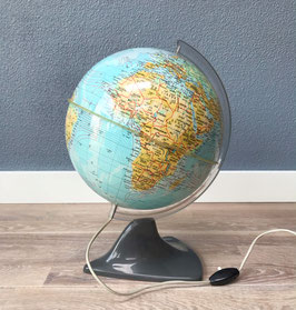 Globe met grijze voet