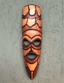 Langwerpig houten masker