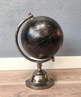 Zwarte vintage wereldbol / globe