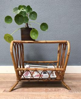 Bamboe krantentafel met glasplaat