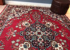 Mooi rood vloerkleed / tapijt