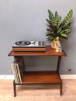 Audiomeubel / kastje van Teeffelen
