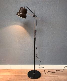 Vloerlamp met bruine kap