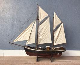 Houten model zeilboot