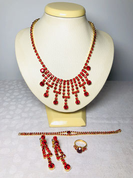 Swarovski Crystal 60s Bib Drop set