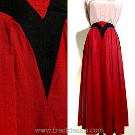 Red V 70s flare skirt, Europe | S-M