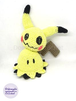 Mimikyu Pikachu figurine coton au crochet amigurumi fait main inspirée des Pokemon