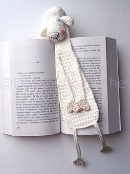 Marque pages mouton timide en coton au crochet