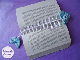 Marque pages poisson bleu en arêtes au crochet