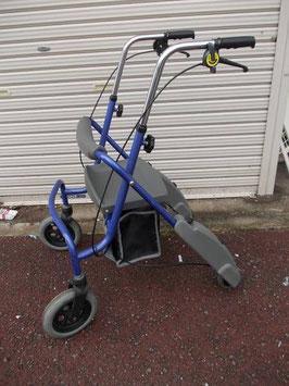 パラマウント 椅子付歩行車 (Q-172)