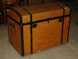 Starožitný lodný kufor