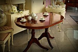 Nádherný Anglický stôl