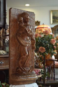 Drevená soška Madony