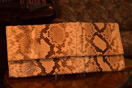 Elegantná retro kabelka z hadej kože