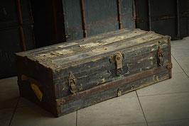 Starožitný cestovný kufor