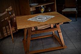 Nádherný vidiecky stôl Jogltisch 19. storočie