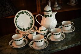 Porcelánový servis pre 4 osôby - 15 kusov