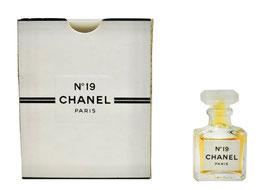 Chanel - N° 19
