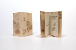 """Heft aus handgeschöpftem Papier mit dem Gedicht """"Ginkgo biloba"""" von Johann Wolfgang von Goethe"""