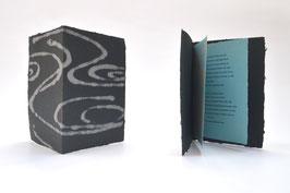 """Heft aus handgeschöpftem Papier mit dem Gedicht """"Um Mitternacht"""" von Eduard Mörike"""
