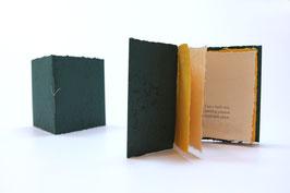 """Heft aus handgeschöpftem Papier mit dem Haiku """"I am a larch tree"""" von Kevin Perryman"""
