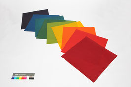 9 Bogen handgeschöpftes Papier aus Abaka, ca. 40 x 40 cm, in Regenbogenfarben