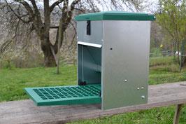 Feedomatic Futterautomat mit Trittklappe für 5 kg Futter