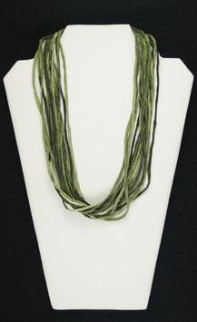 Olivgrüne Seidenkette, 55 cm lang