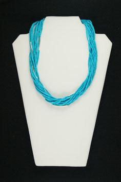 Türkiesfarbene Seidenkette mit silberfarbenen Tuben