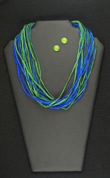 Blau-Grüne Seidenkette 58 cm, mit passenden Holzohrstecker 11 mm Durchmesser