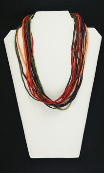 Herbstfarbene Seidenkette,  55 cm lang