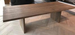 Tisch in Eiche arklik