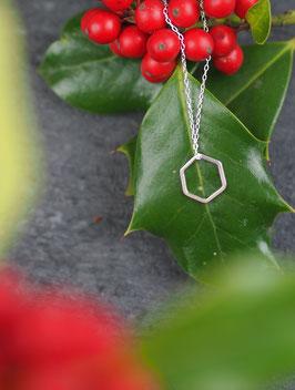 Bee-Necklace Hexagon