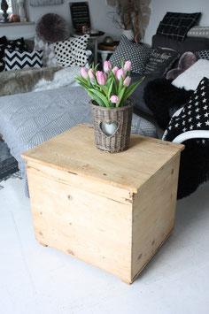 Shabby chic Holzkiste als Tisch