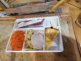 plateaux repas blanc