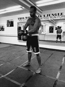 MMA-Hose schwarz UNDEFEATED