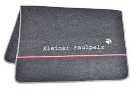 David Fussenegger, Hundedecke kleiner Faulpelz, 70 x 90 cm