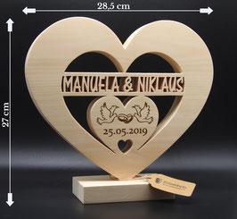 Ausgefallenes Hochzeitsgeschenk aus Zirben Holz mit Namen des Brautpaares als einzigartige Geschenkidee zur Hochzeit!