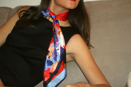 Foulard Victoire with Julie d'Aragon