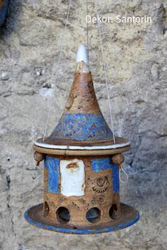 Kleines Vogelfutterhaus zum Hängen