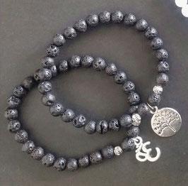 Armband aus Lava Steinen mit Anhänger