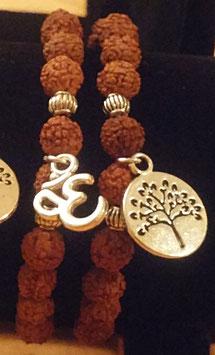 Armband aus Rudraksha Perlen mit Anhänger