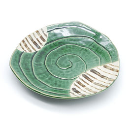 *TRIANGLE PLATE: ORIBE TOKUSA GREEN