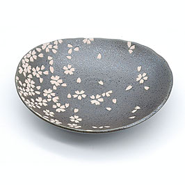 *MEDIUM OVAL PLATE: BLACK w SAKURA
